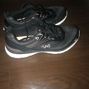 Women Ryka Sz 9.5 Walking/Running Shoes